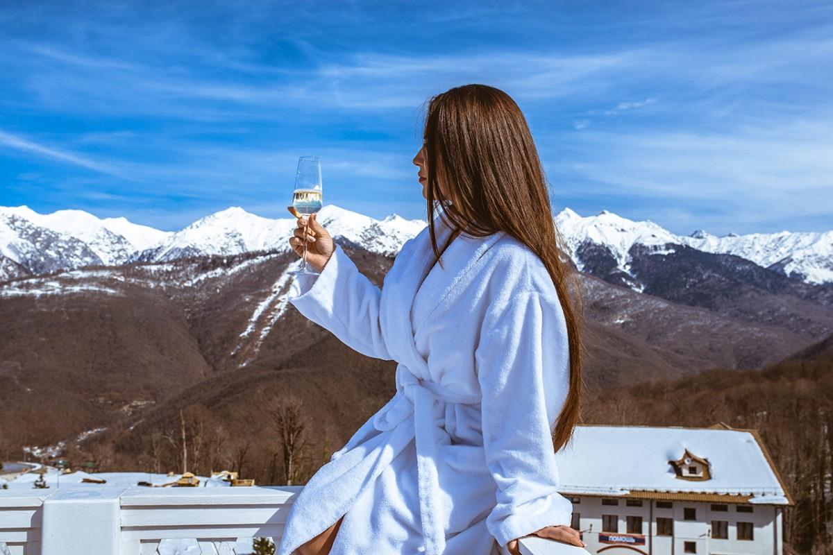 Шампанское и горы. Что может быть прекраснее?